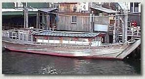 52年に復活した屋形舟=第一小松丸
